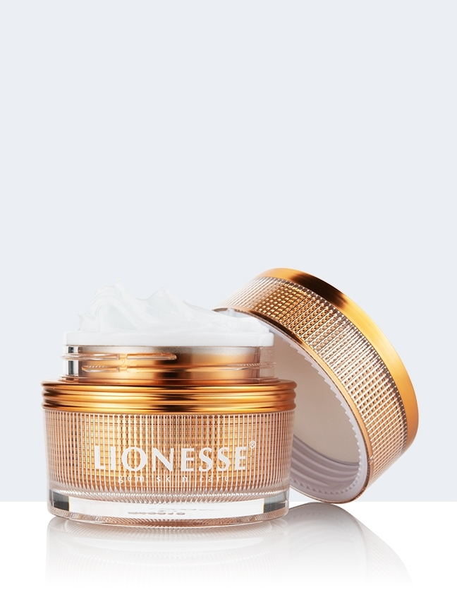 amber eye cream open lid