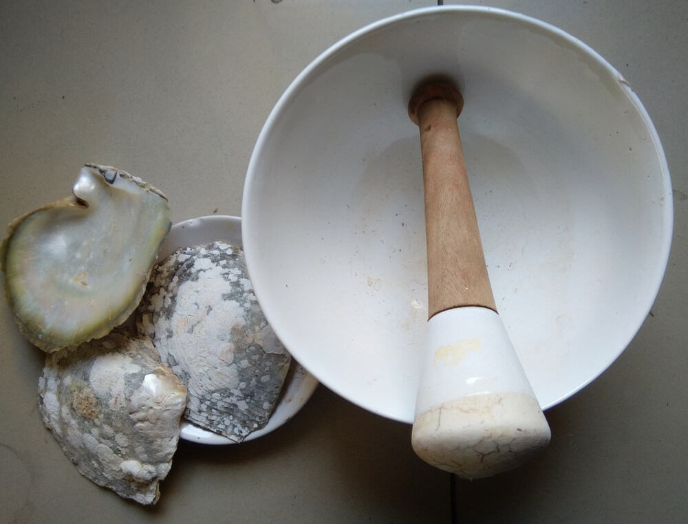 Pearl shells and bowl